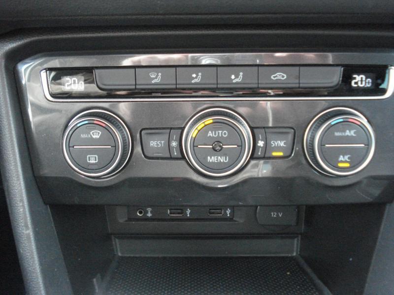Volkswagen Tiguan 2.0 TDI 150ch Carat 4Motion DSG7 Blanc occasion à Aurillac - photo n°10