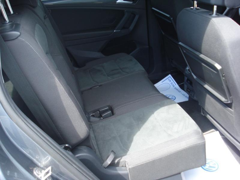 Volkswagen Tiguan 2.0 TDI 150ch Carat DSG7 Gris occasion à Aurillac - photo n°18