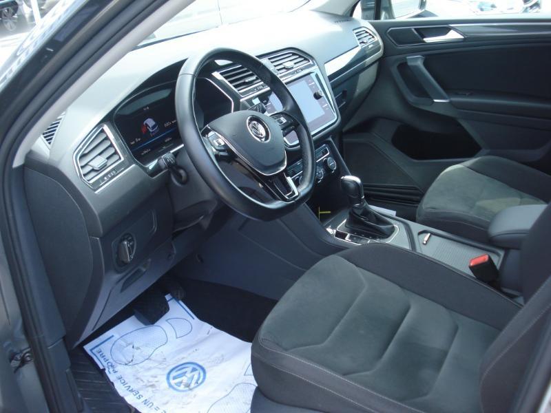 Volkswagen Tiguan 2.0 TDI 150ch Carat DSG7 Gris occasion à Aurillac - photo n°16