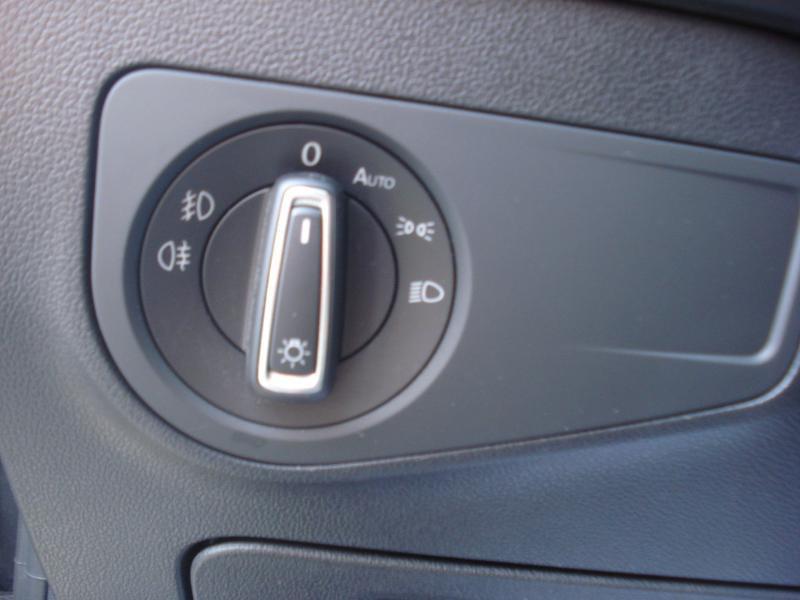 Volkswagen Tiguan 2.0 TDI 150ch Carat DSG7 Gris occasion à Aurillac - photo n°9