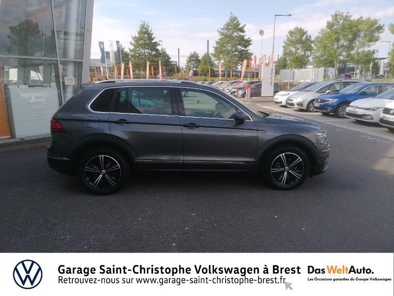 Volkswagen Tiguan 2.0 TDI 150ch Carat DSG7 Gris occasion à Brest - photo n°4