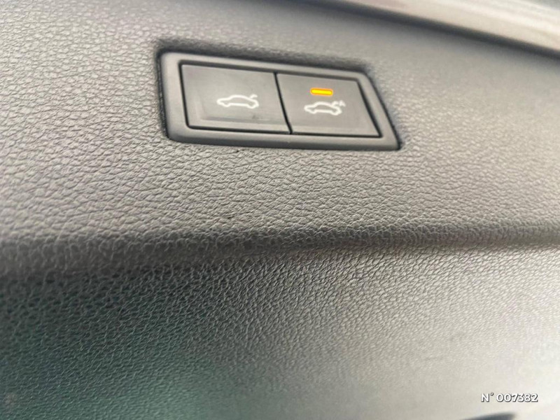 Volkswagen Tiguan 2.0 TDI 150ch Carat DSG7  occasion à Saint-Maur-des-Fossés - photo n°8