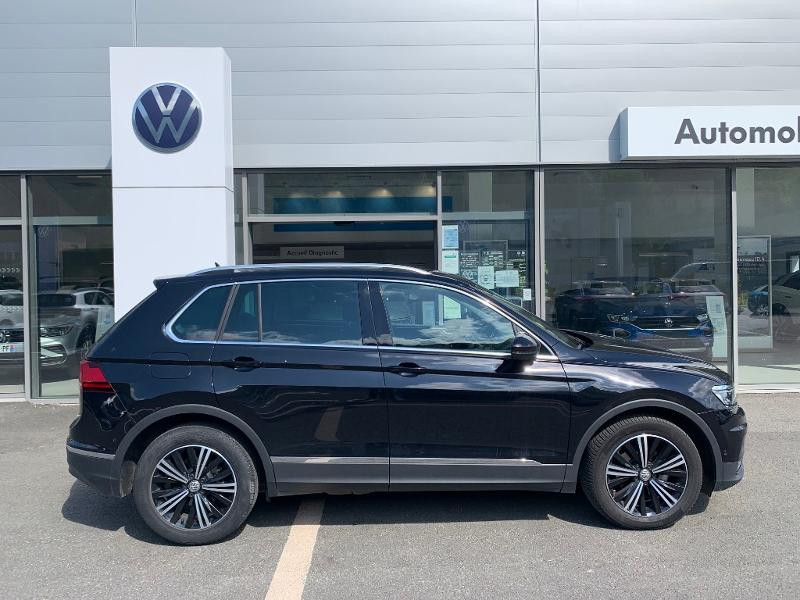 Volkswagen Tiguan 2.0 TDI 150ch Carat Exclusive DSG7 Euro6d-T Noir occasion à Figeac - photo n°2