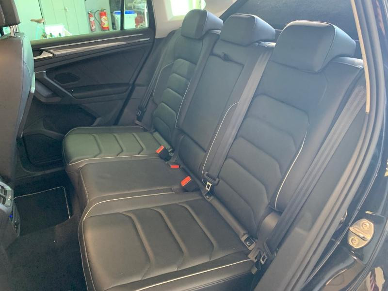 Volkswagen Tiguan 2.0 TDI 150ch Carat Exclusive DSG7 Euro6d-T Noir occasion à Figeac - photo n°8