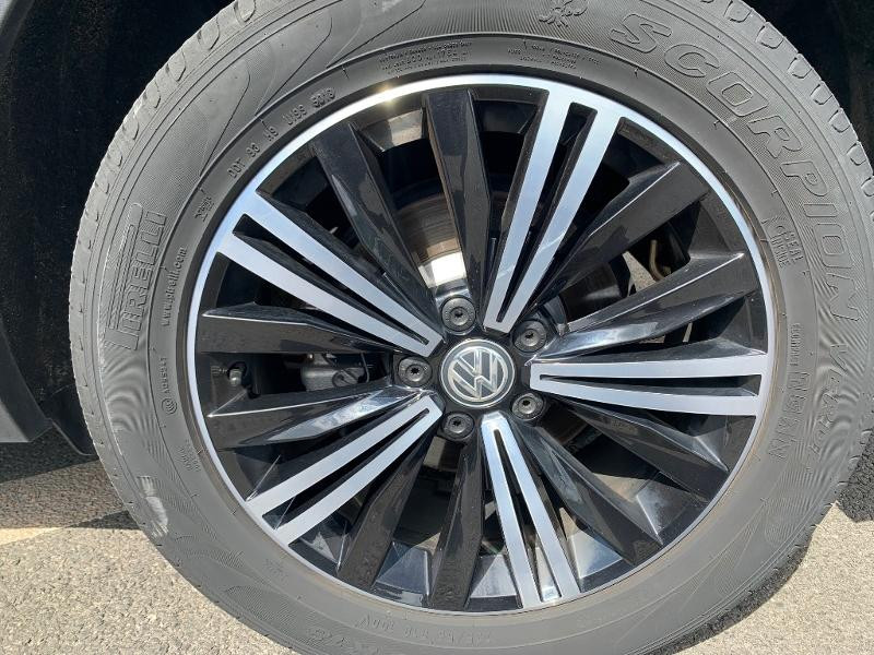 Volkswagen Tiguan 2.0 TDI 150ch Carat Exclusive DSG7 Euro6d-T Noir occasion à Figeac - photo n°6