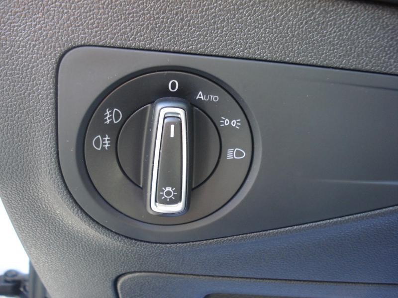 Volkswagen Tiguan 2.0 TDI 150ch Confortline Business 4Motion DSG7 Euro6d-T Blanc occasion à Aurillac - photo n°10