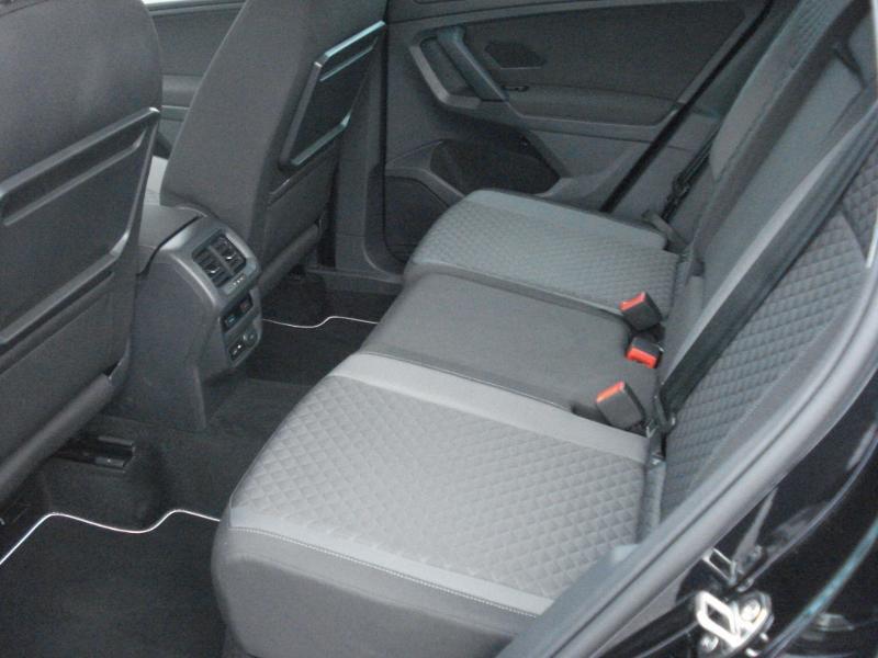 Volkswagen Tiguan 2.0 TDI 150ch Confortline Business Euro6d-T Noir occasion à Aurillac - photo n°17
