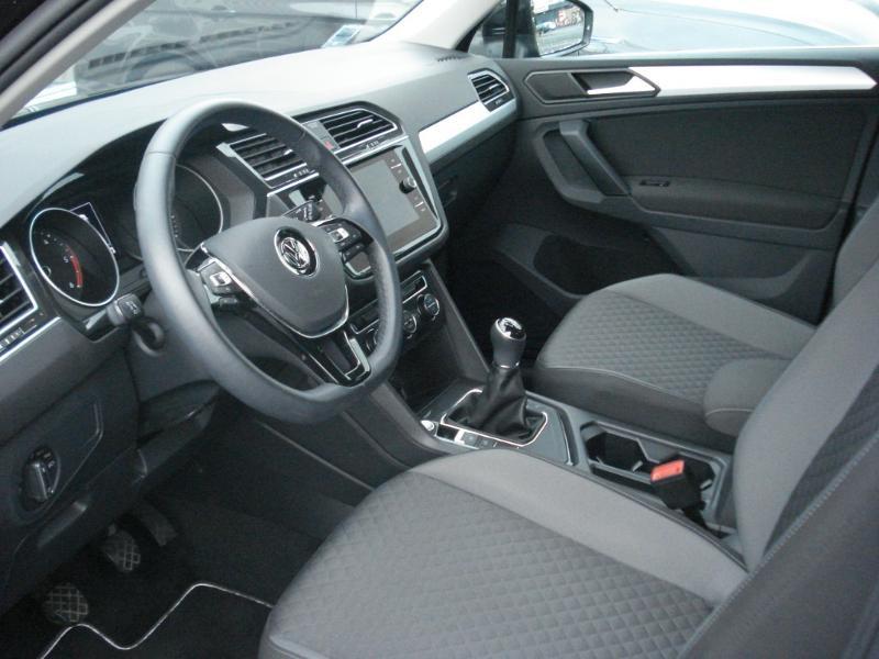 Volkswagen Tiguan 2.0 TDI 150ch Confortline Business Euro6d-T Noir occasion à Aurillac - photo n°14