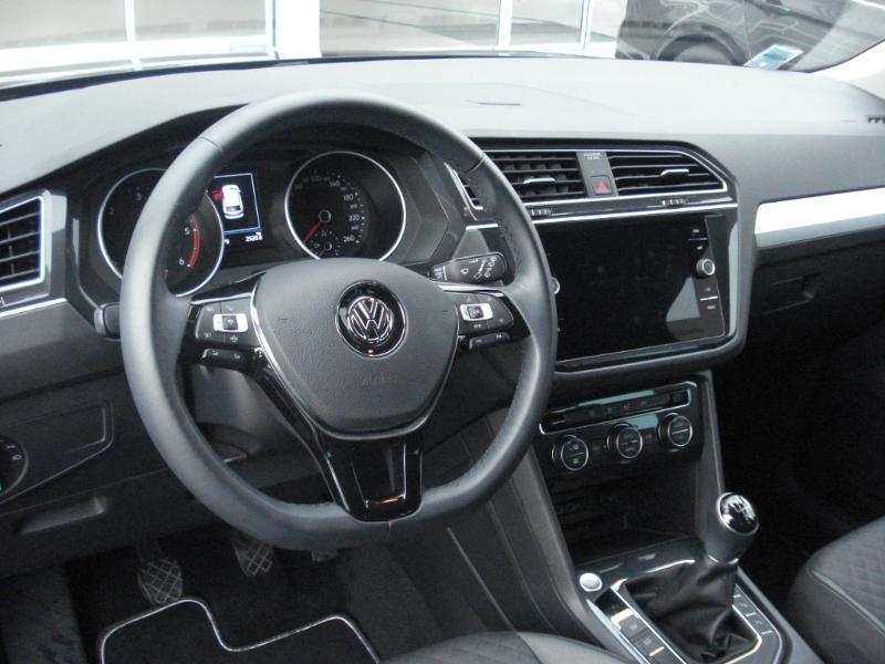 Volkswagen Tiguan 2.0 TDI 150ch Confortline Business Euro6d-T Noir occasion à Aurillac - photo n°13