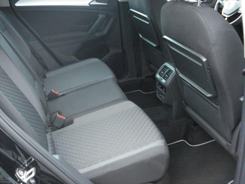 Volkswagen Tiguan 2.0 TDI 150ch Confortline Business Euro6d-T Noir occasion à Aurillac - photo n°16