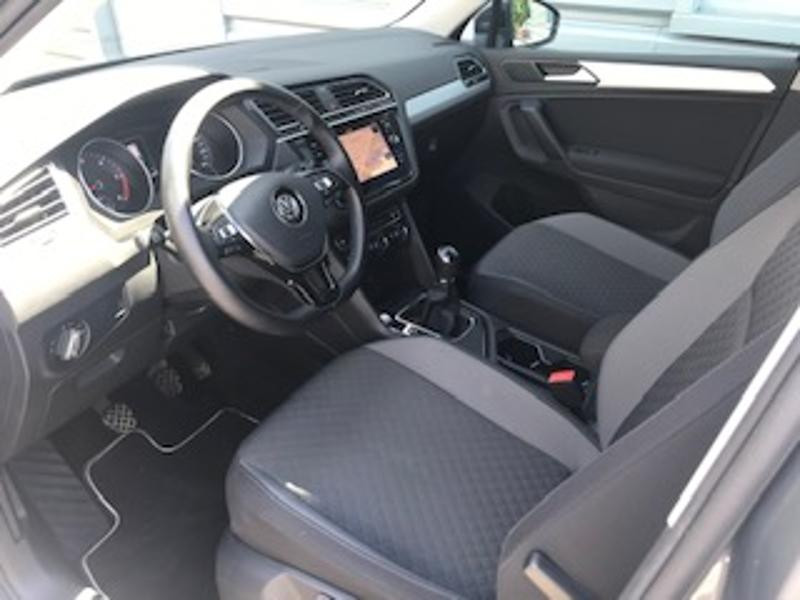 Volkswagen Tiguan 2.0 TDI 150ch Confortline Business Gris occasion à LESCAR - photo n°2