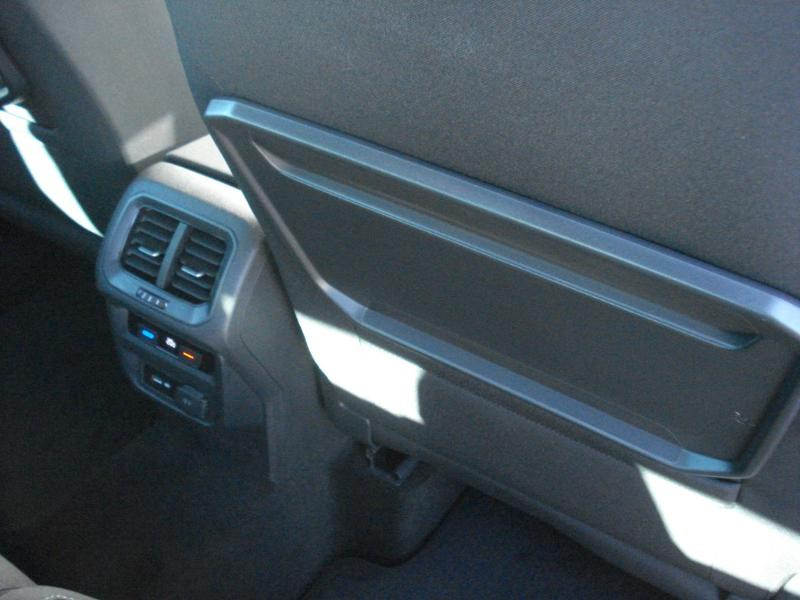 Volkswagen Tiguan 2.0 TDI 150ch IQ.Drive DSG7 Euro6d-T Bleu occasion à Aurillac - photo n°13