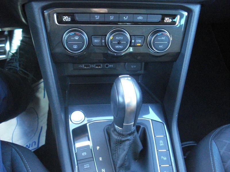 Volkswagen Tiguan 2.0 TDI 150ch IQ.Drive DSG7 Euro6d-T Bleu occasion à Aurillac - photo n°11