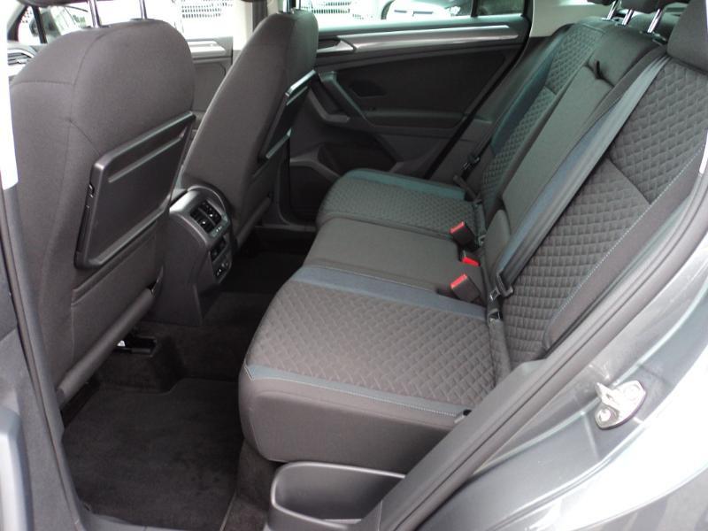 Volkswagen Tiguan 2.0 TDI 150ch IQ.Drive DSG7 Euro6d-T Gris occasion à TARBES  - photo n°9