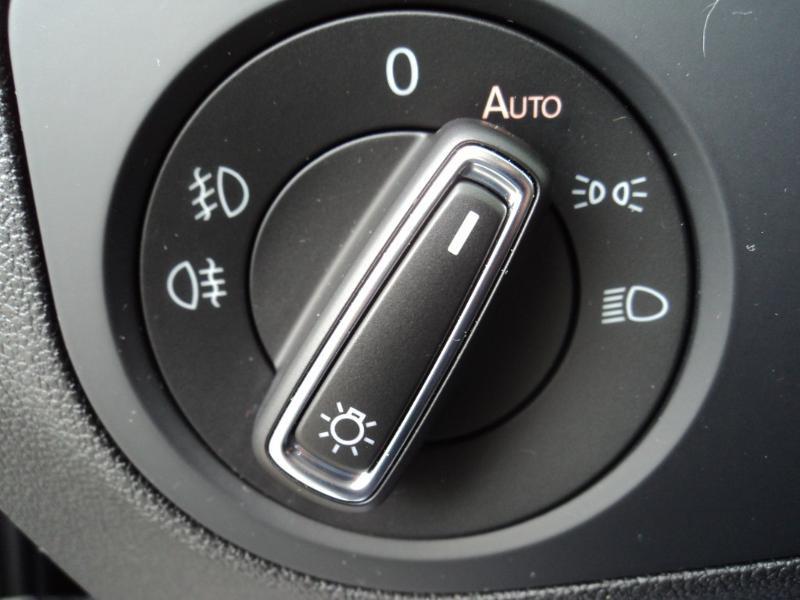 Volkswagen Tiguan 2.0 TDI 150ch IQ.Drive DSG7 Euro6d-T Gris occasion à TARBES  - photo n°14