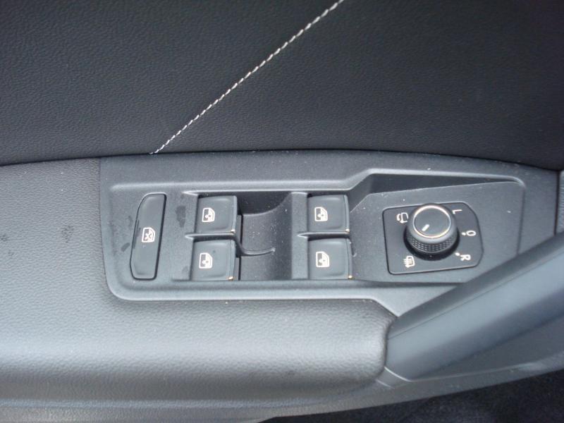 Volkswagen Tiguan 2.0 TDI 150ch R-Line 4Motion DSG7 Argent occasion à Aurillac - photo n°13