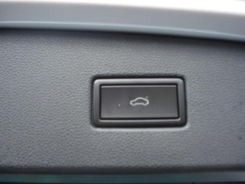 Volkswagen Tiguan 2.0 TDI 150ch R-Line 4Motion DSG7 Argent occasion à Aurillac - photo n°14