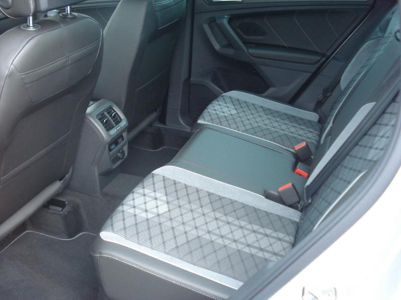 Volkswagen Tiguan 2.0 TDI 150ch R-Line 4Motion DSG7 Argent occasion à Aurillac - photo n°20