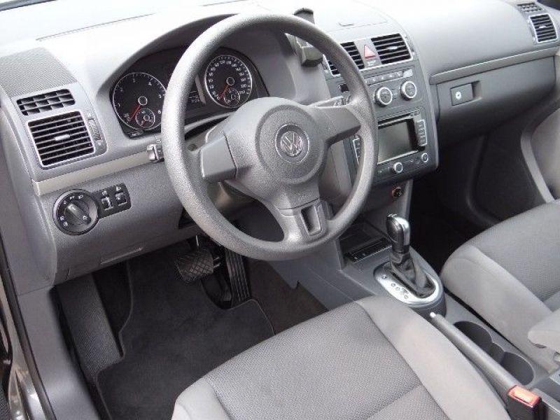 Volkswagen Touran 1.6 TDI 105 DSG Gris occasion à Beaupuy - photo n°5