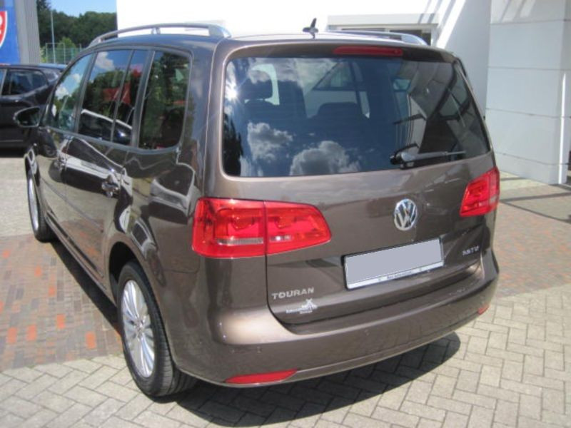 Volkswagen Touran 2.0 TDI 140 Marron occasion à Beaupuy - photo n°3