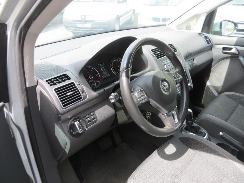 Volkswagen Touran 2.0 TDI 140ch FAP Confortline DSG6 Gris occasion à La Roche-sur-Yon - photo n°12