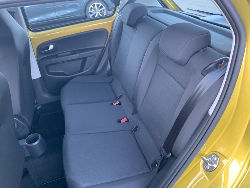Volkswagen Up 1.0 60ch BlueMotion Technology Move up! 5p Jaune occasion à Figeac - photo n°5