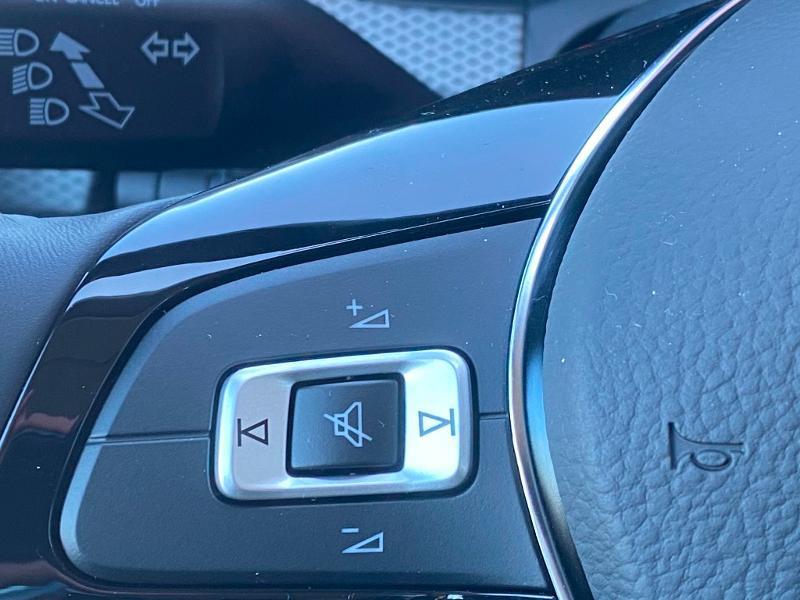 Volkswagen Up 1.0 65ch BlueMotion Technology Active 5p Rouge occasion à Onet-le-Château - photo n°18
