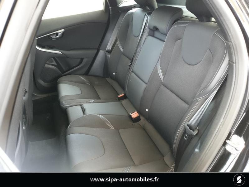 Volvo V40 D2 120ch Momentum Business Noir occasion à Mérignac - photo n°6