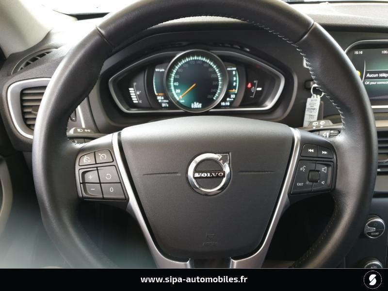 Volvo V40 D2 120ch Momentum Business Noir occasion à Mérignac - photo n°16