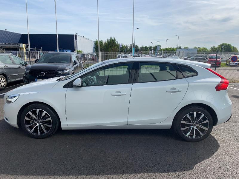 Volvo V40 T2 122ch Edition Geartronic Blanc occasion à Barberey-Saint-Sulpice - photo n°7