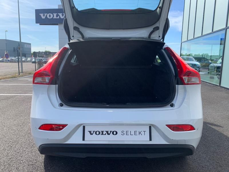 Volvo V40 T2 122ch Edition Geartronic Blanc occasion à Barberey-Saint-Sulpice - photo n°6