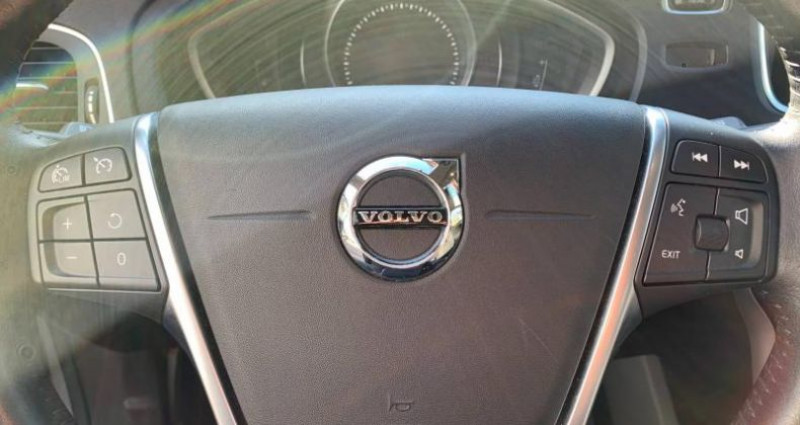 Volvo V40 T2 122ch Itëk Edition  occasion à Vénissieux - photo n°6
