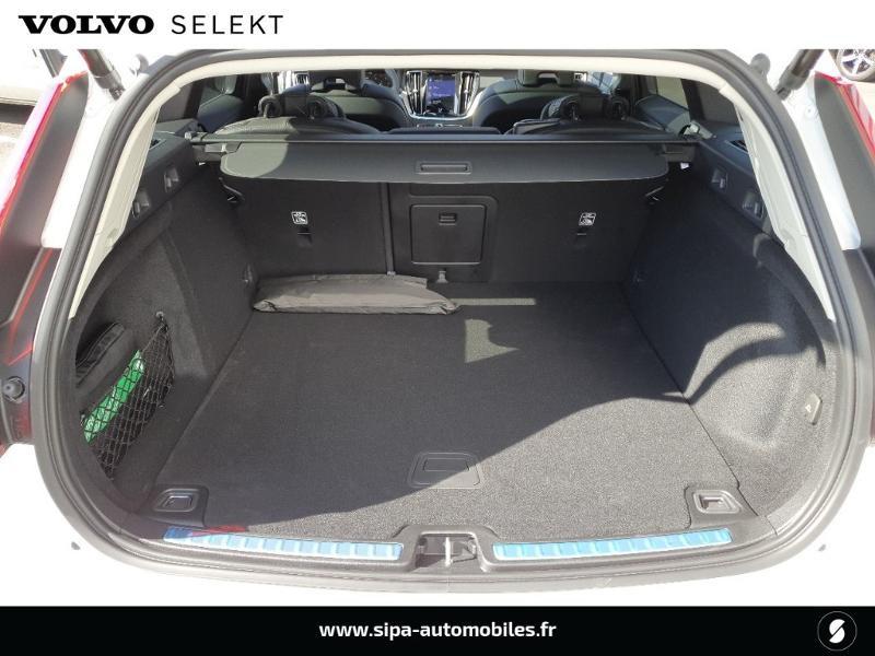 Volvo V60 cross country Pro B4 197ch geartronic Blanc occasion à Lescar - photo n°9