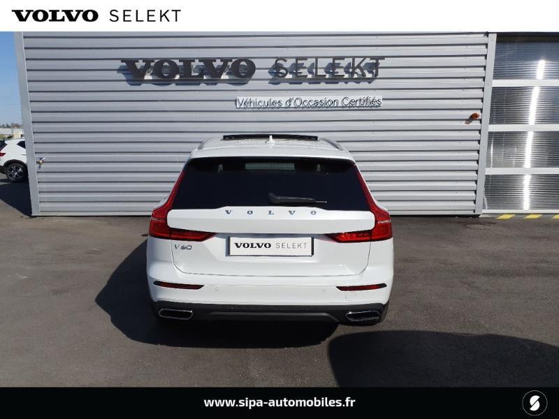 Volvo V60 cross country Pro B4 197ch geartronic Blanc occasion à Lescar - photo n°5