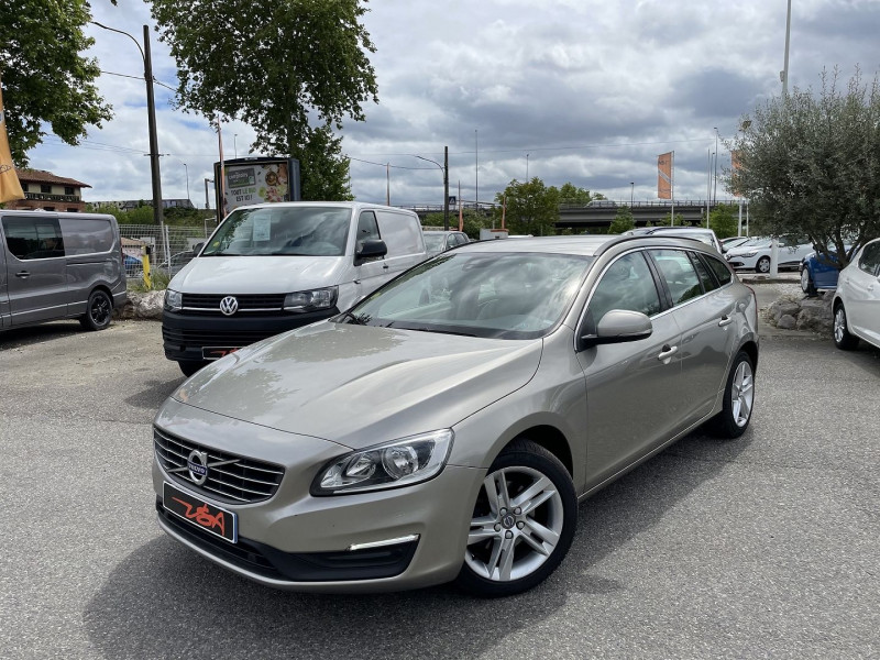 Volvo V60 D2 120CH MOMENTUM BUSINESS GEARTRONIC Gris occasion à Toulouse