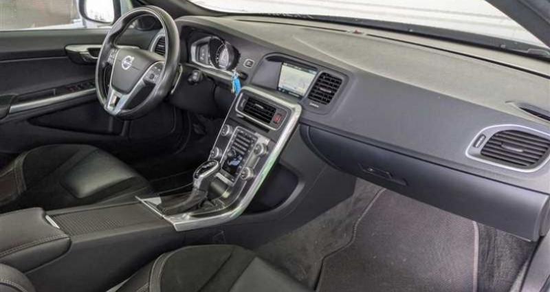 Volvo V60 D3 150 ch Stop&Start R-Design Geartronic A Noir occasion à SAINT FULGENT - photo n°2