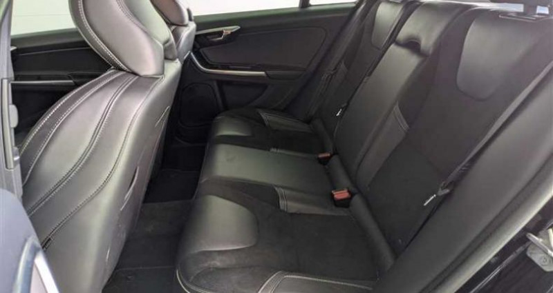 Volvo V60 D3 150 ch Stop&Start R-Design Geartronic A Noir occasion à SAINT FULGENT - photo n°5