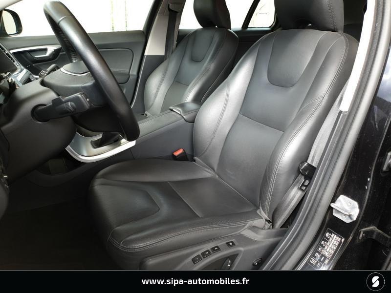 Volvo V60 D4 190ch Summum Noir occasion à Mérignac - photo n°4
