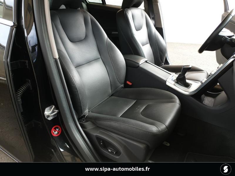 Volvo V60 D4 190ch Summum Noir occasion à Mérignac - photo n°15