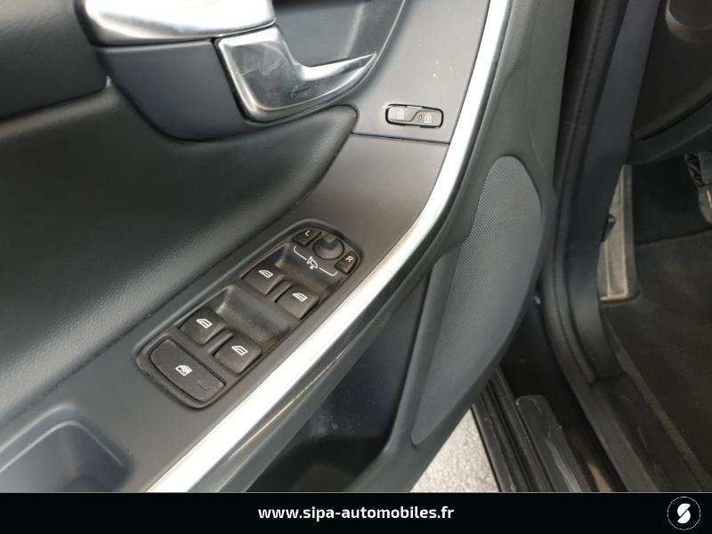 Volvo V60 D4 190ch Summum Noir occasion à Mérignac - photo n°12