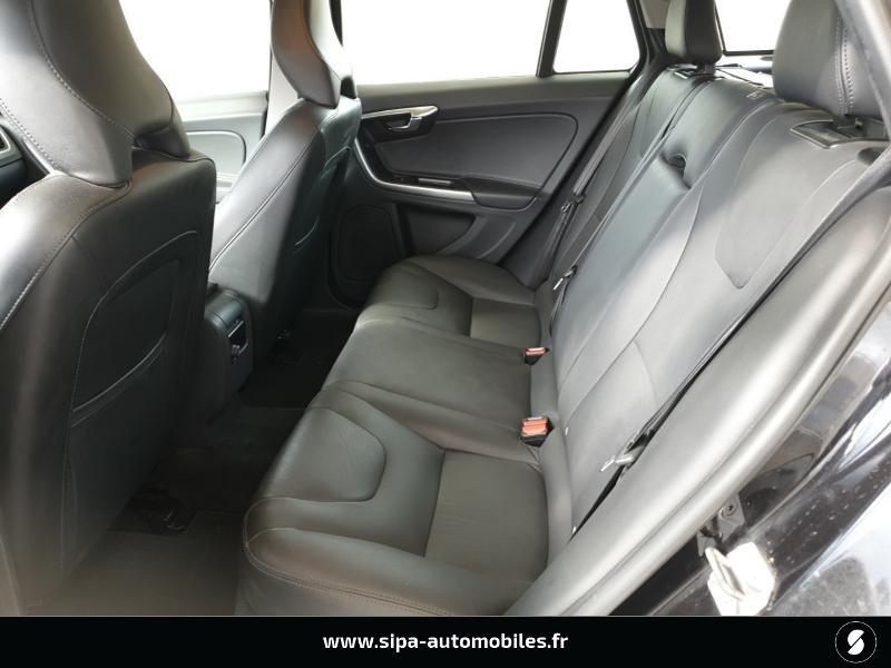 Volvo V60 D4 190ch Summum Noir occasion à Mérignac - photo n°13
