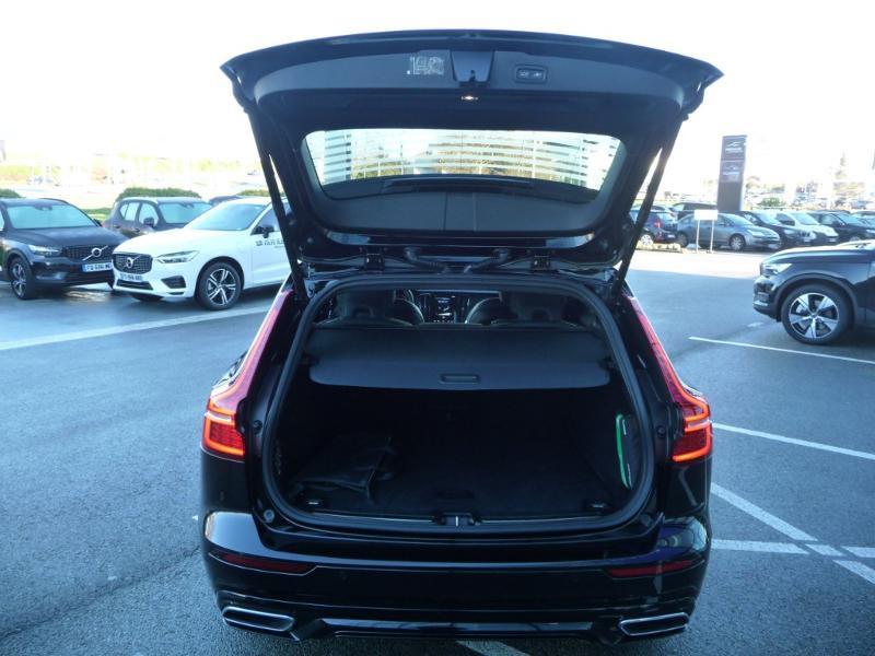 Volvo V60 T6 AWD 253 + 87ch R-Design Geartronic Noir occasion à Brest - photo n°6