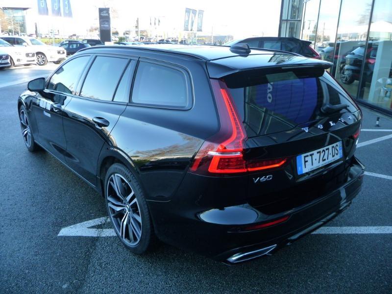 Volvo V60 T6 AWD 253 + 87ch R-Design Geartronic Noir occasion à Brest - photo n°4