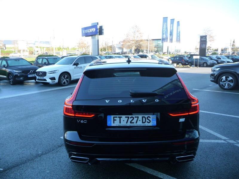 Volvo V60 T6 AWD 253 + 87ch R-Design Geartronic Noir occasion à Brest - photo n°5