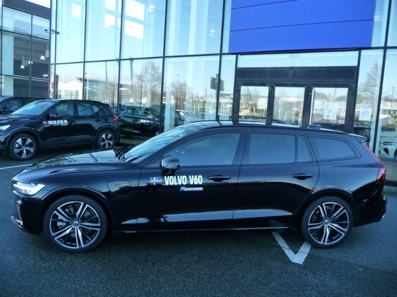 Volvo V60 T6 AWD 253 + 87ch R-Design Geartronic Noir occasion à Brest - photo n°3