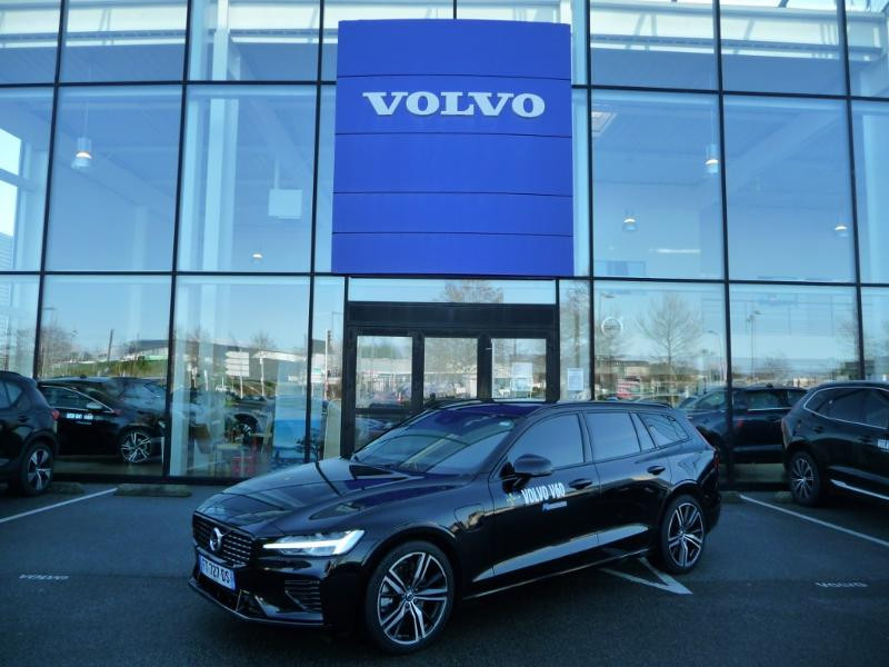 Volvo V60 T6 AWD 253 + 87ch R-Design Geartronic Noir occasion à Brest