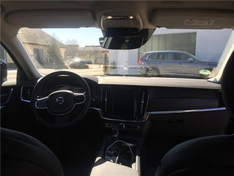 Volvo V90 D5 AWD 235 Geartronic Noir occasion à Beaupuy - photo n°4