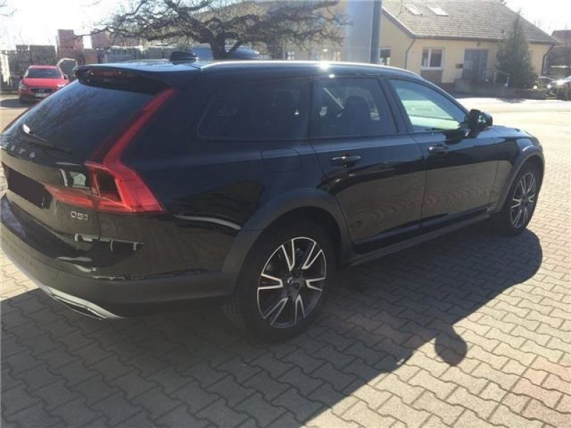 Volvo V90 D5 AWD 235 Geartronic Noir occasion à Beaupuy - photo n°2