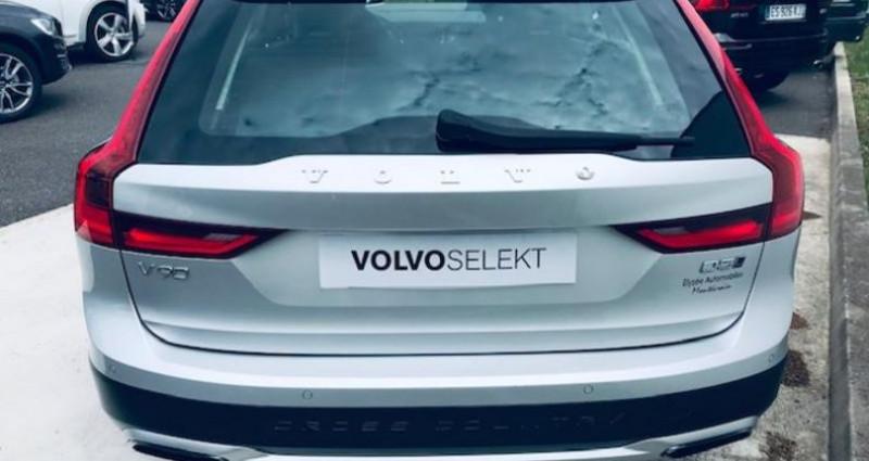 Volvo V90 D5 AWD 235ch Pro Geartronic Argent occasion à Montévrain - photo n°2