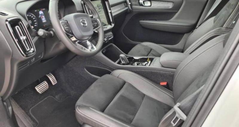 Volvo XC40 D3 AdBlue 150ch R-Design Geartronic 8 Blanc occasion à AUBIERE - photo n°5